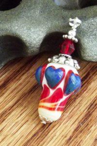 http://glassartrevealed.com/glass-art-gift-club-deluxe/